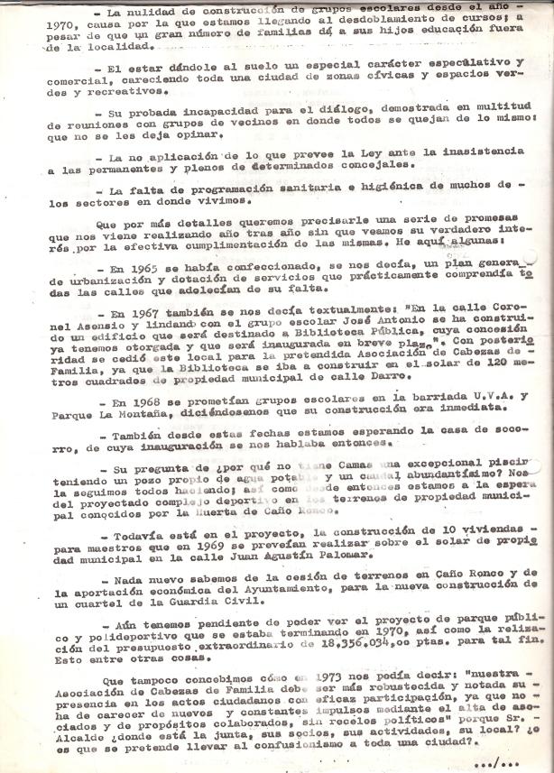 23 de Junio de 1975..Escrito a la alcaldía detallándole los motivos por los que se le pide su dimisión, adjuntando 50 folios con 2.000 firmas. 2