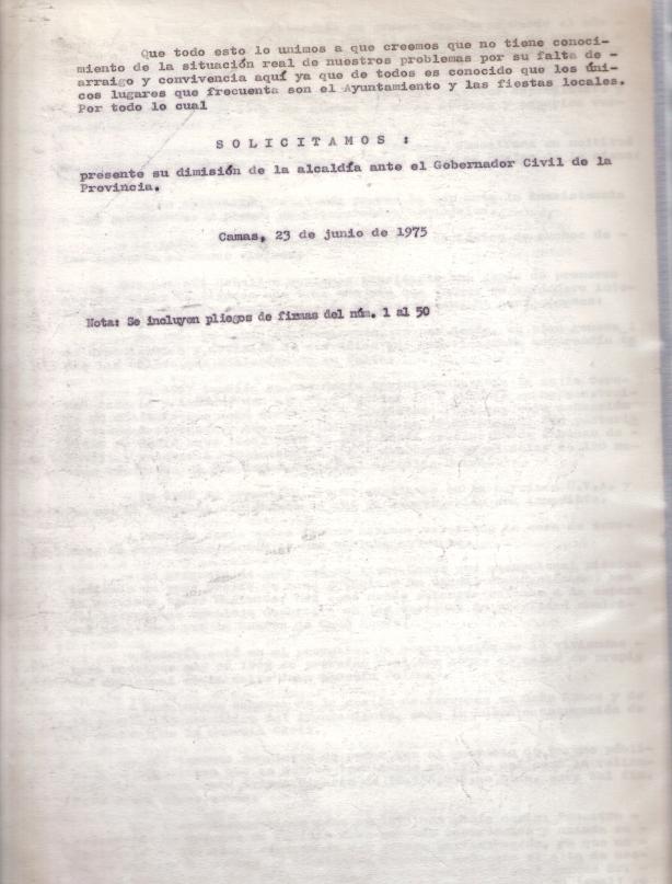 23 de Junio de 1975..Escrito a la alcaldía detallándole los motivos por los que se le pide su dimisión, adjuntando 50 folios con 2.000 firmas.3